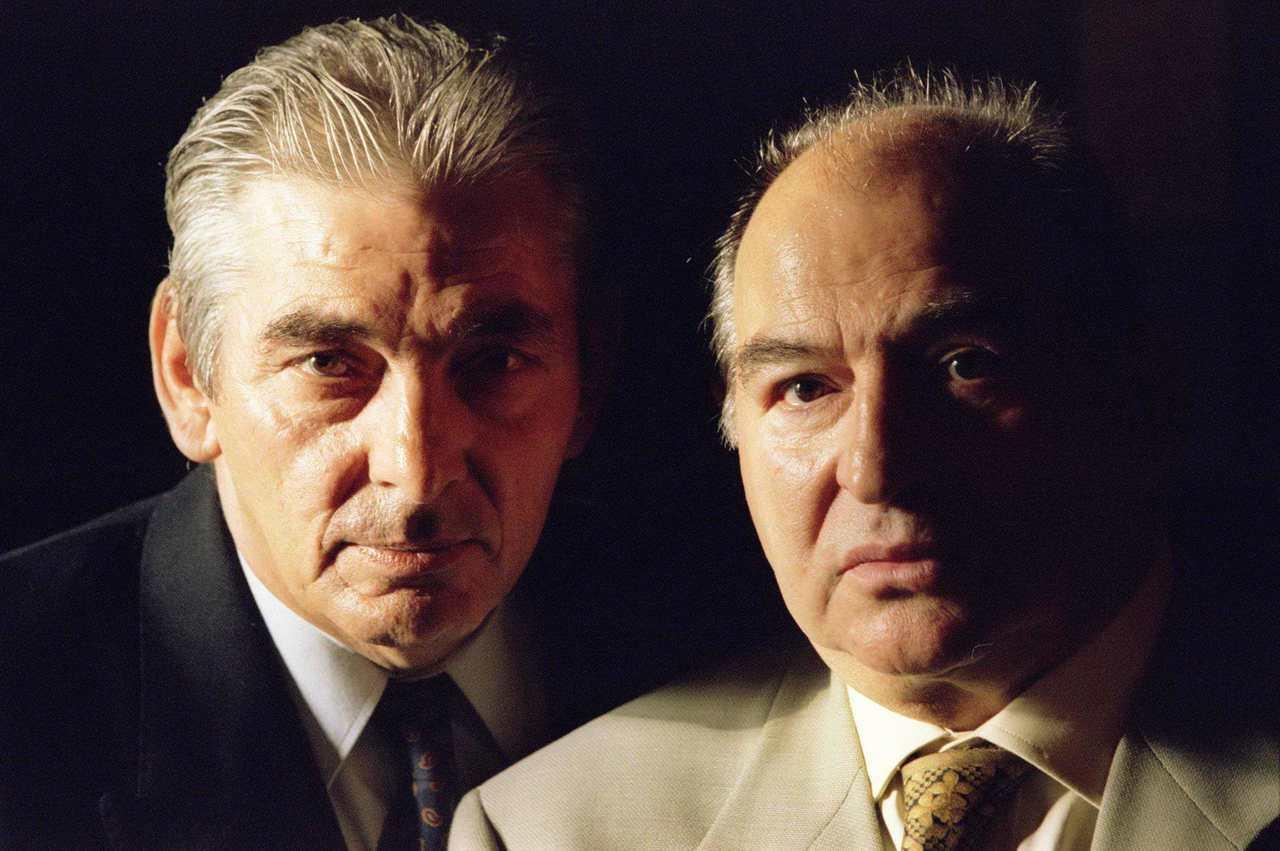 福瑞曼(右)與黑道拉布里亞奴(左)年輕時與倫敦惡名昭彰的科雷兄弟一起犯罪。路透