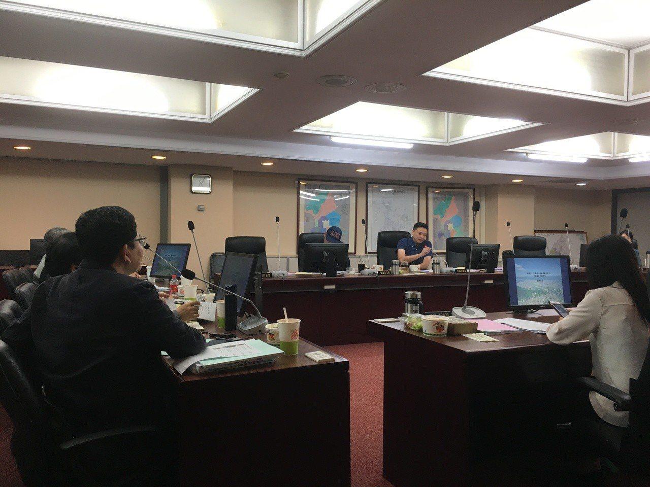 台北市都發局今天赴市議會工作報告。記者張世杰/攝影