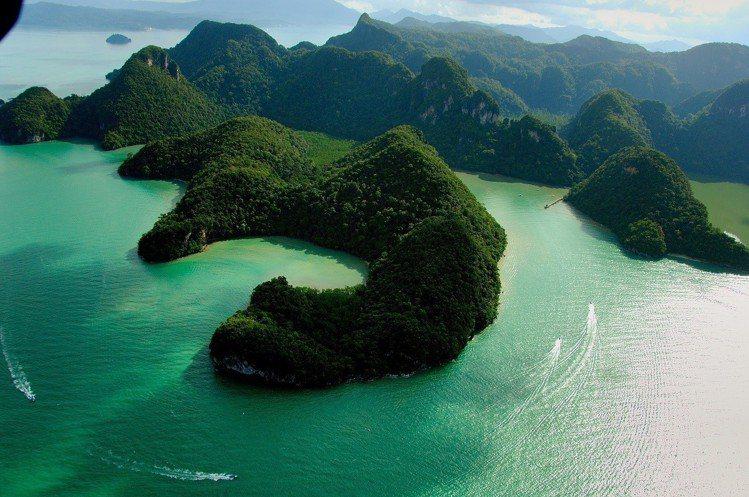 令人驚嘆的孕婦島天然美景。圖/馬來西亞觀光局提供