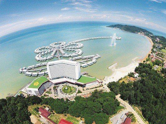 馬來西亞大紅花海上Villa體驗一人專屬一房一泳池。圖/Lexis Hibisc...