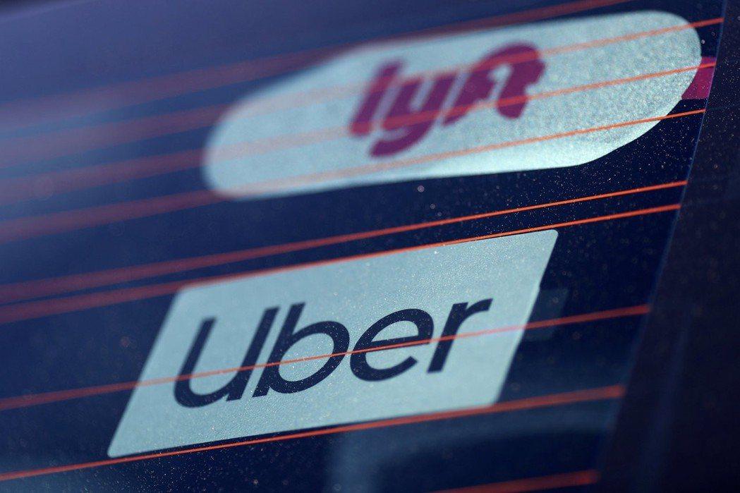 Uber、Lyft上市後,可能調高車費。 路透