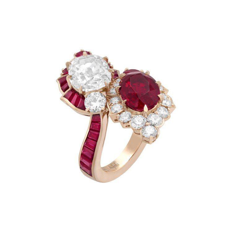 Zita戒指,白K金與玫瑰金鑲嵌3.81克拉的橢圓形切割紅寶石、3.01克拉枕形...