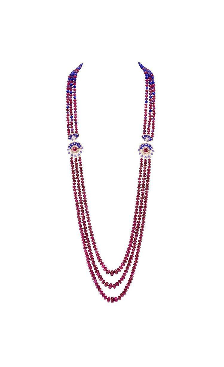 Esma長項鍊可轉換成兩條短項鍊,白K金與玫瑰金鑲嵌377 顆總重598.46克...