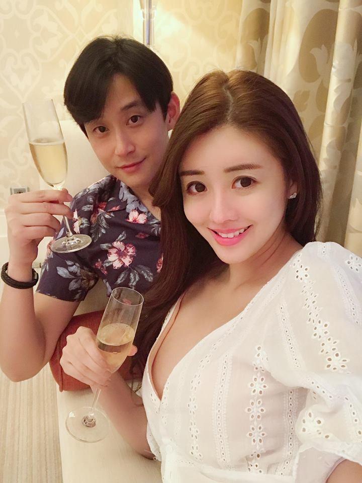 陳乃榮(左)自嘲和老婆賴琳恩都朋友很少。圖/摘自臉書