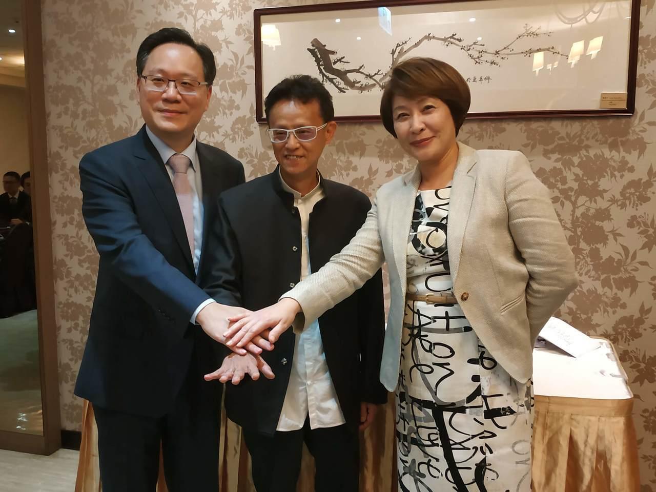 台灣連鎖暨加盟協會今(23)日舉辦第十屆第一次會員大會,並進行第九屆理監事團隊改...