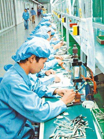 經濟部昨天發布3月製造業生產指數為104.48,年減10.52%,減幅超出市場預...