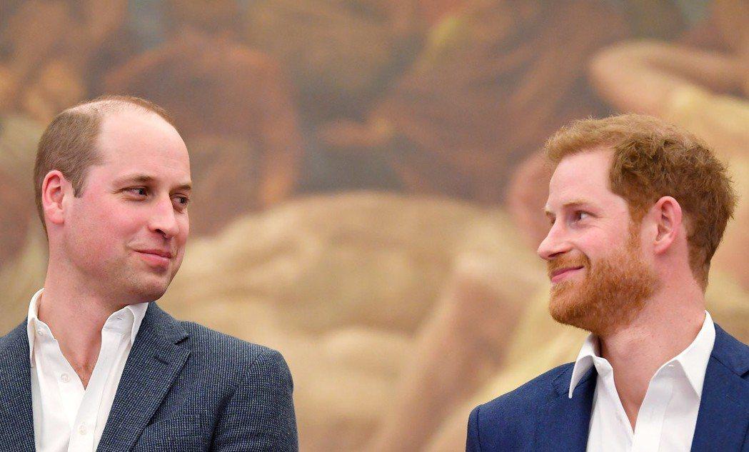 威廉和哈利去年4月出席倫敦的室內目連動中心開幕儀式。 (路透)