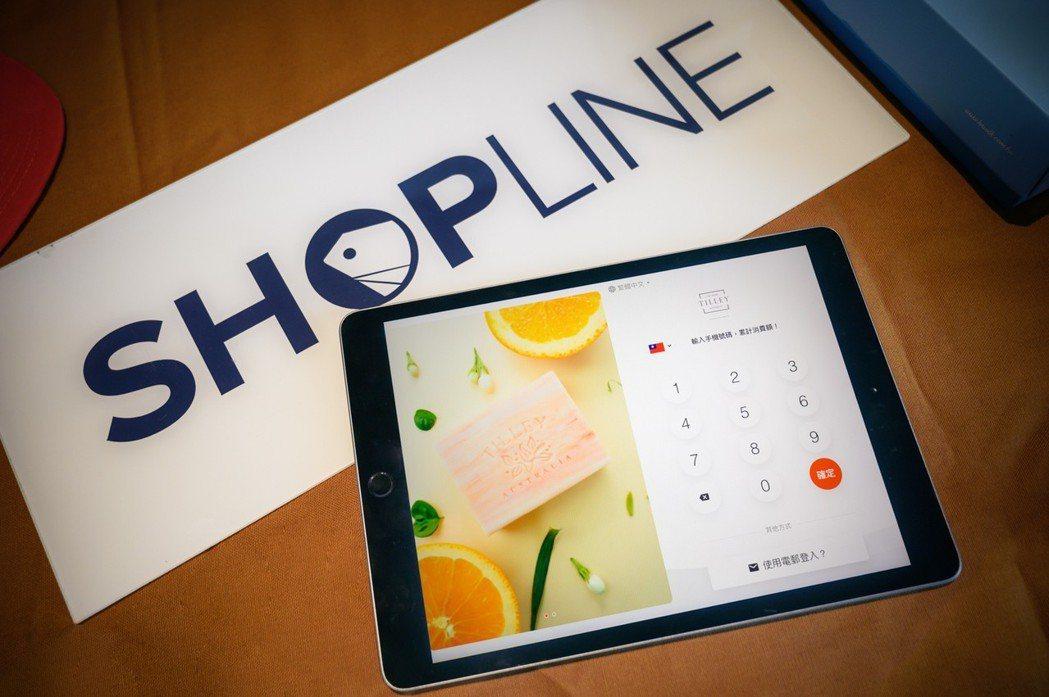 SHOPLINE Kiosk 讓消費者最短僅需 3 秒就能完成線上會員註冊,店家...