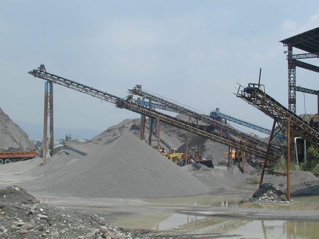 去年以來南部砂石因短缺價格大漲。 報系資料照