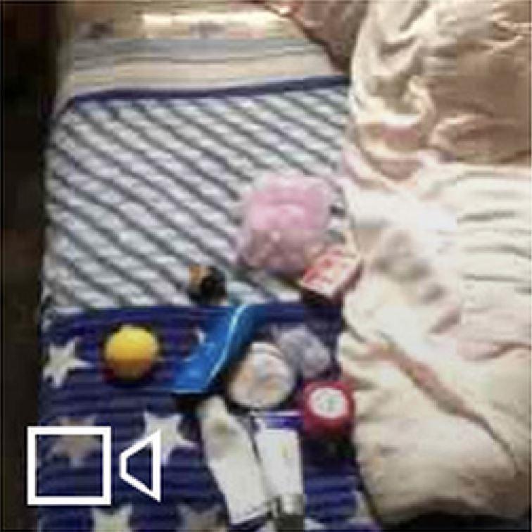 一名女網友在微博發帖稱,順豐快遞的工作人員私自打開她的包裹,將包裹裡的化妝品、內...