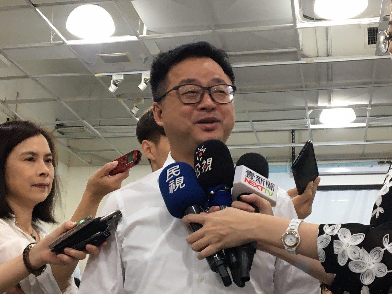 民進黨秘書長羅文嘉出席廢核遊行記者會,會前接受媒體訪問。 聯合報記者周佑政/攝影