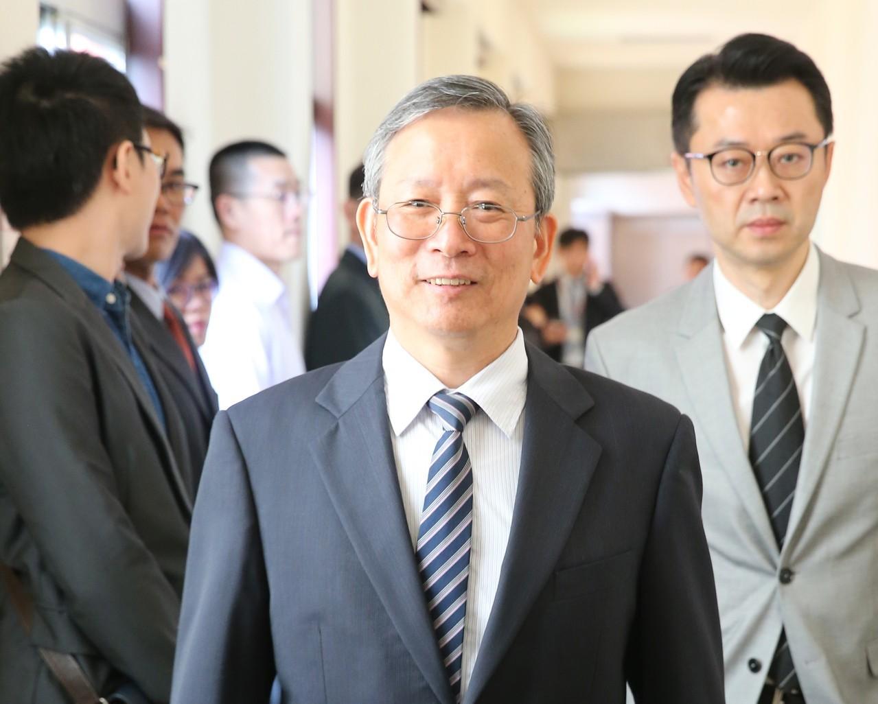 司法院秘書長呂太郎(中)。 聯合報系資料照/記者許正宏攝影