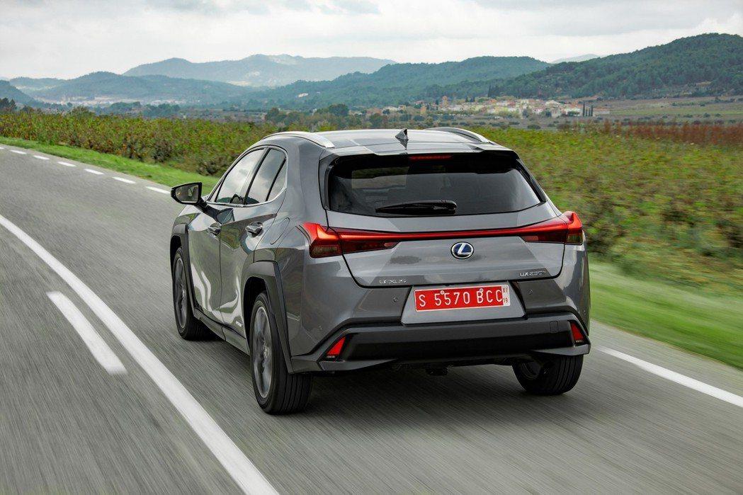 Lexus UX250h 今年第一季於歐洲的銷量也不遜色。 摘自Lexus