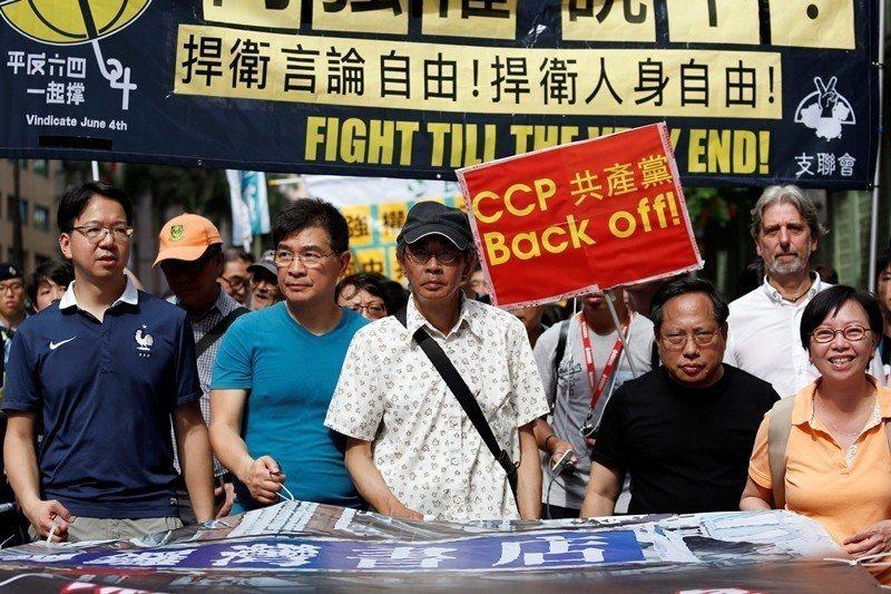 2016年6月,銅鑼灣書店林榮基公開說明被非法拘留的情況。 圖/路透社