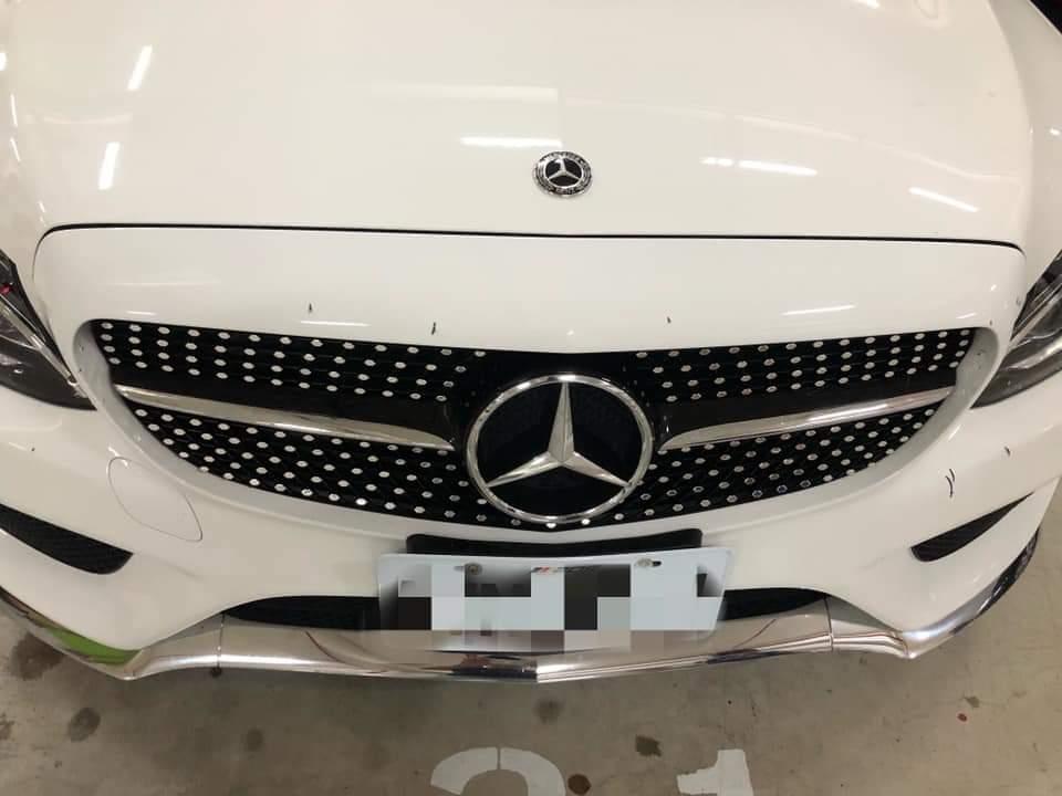 車主表示自己的車子被胡亂刮傷、損壞後,讓他「越想越賭爛」,因為他懷疑真正的嫌犯是...