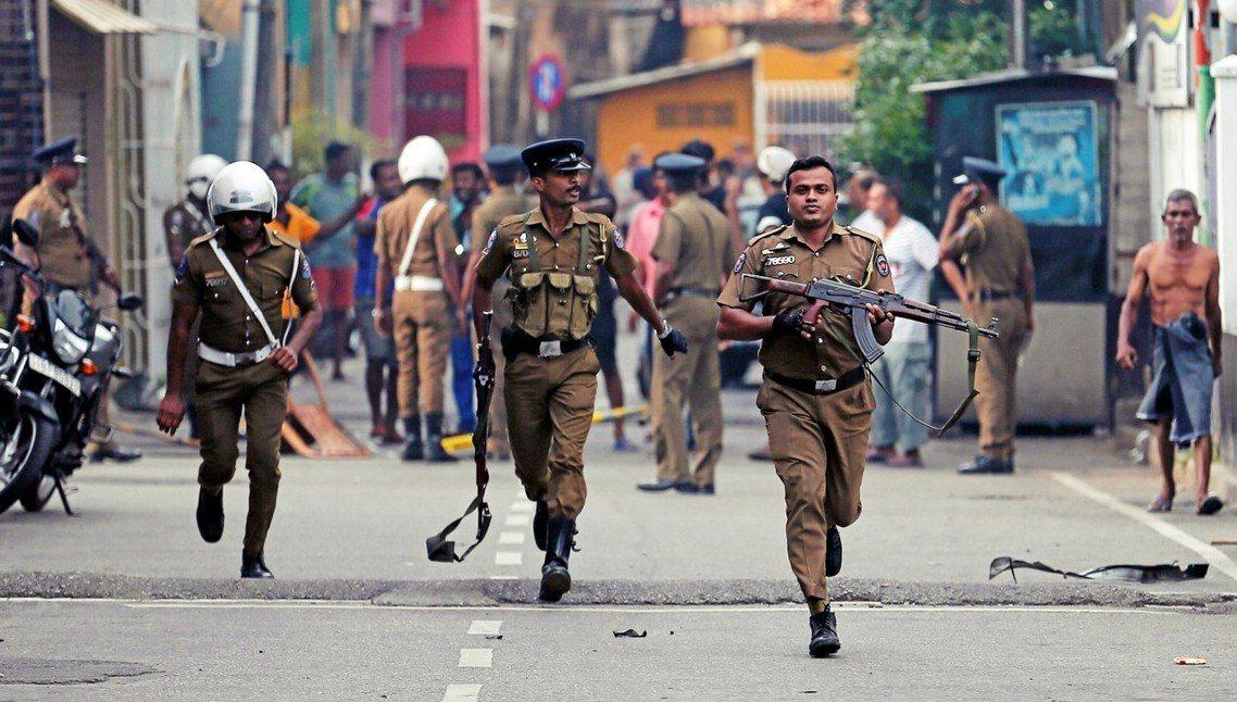 斯里蘭卡政府已將全案定調為「伊斯蘭原教旨主義激進組織」所發起的恐怖攻擊。 圖/路...