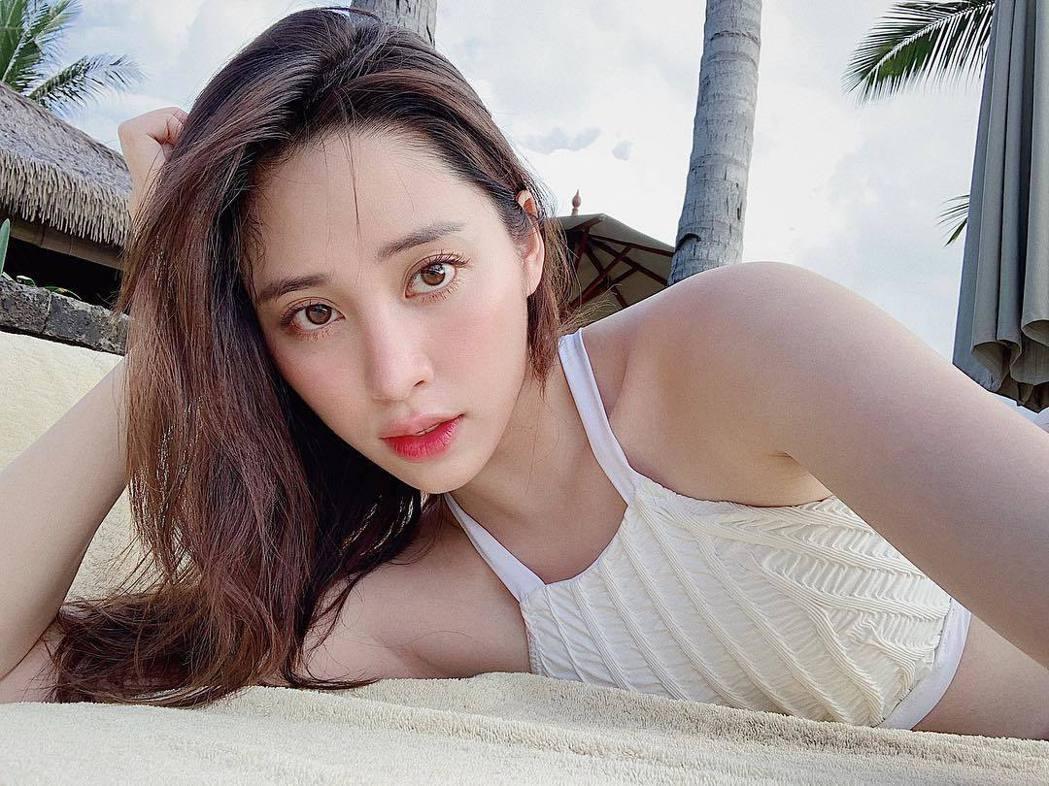 歐陽妮妮到峇里島度假,分享不少泳裝美照。 圖/擷自歐陽妮妮IG