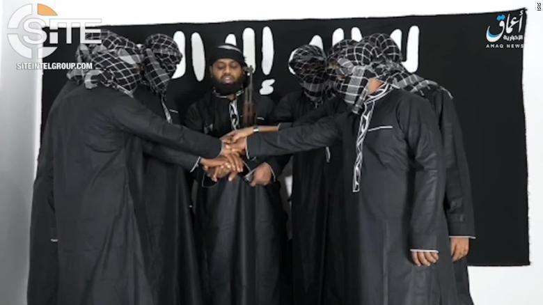 「伊斯蘭國」(IS)23日在網路發布一段影片,哈辛姆被指認出現在影片中,他與疑似...
