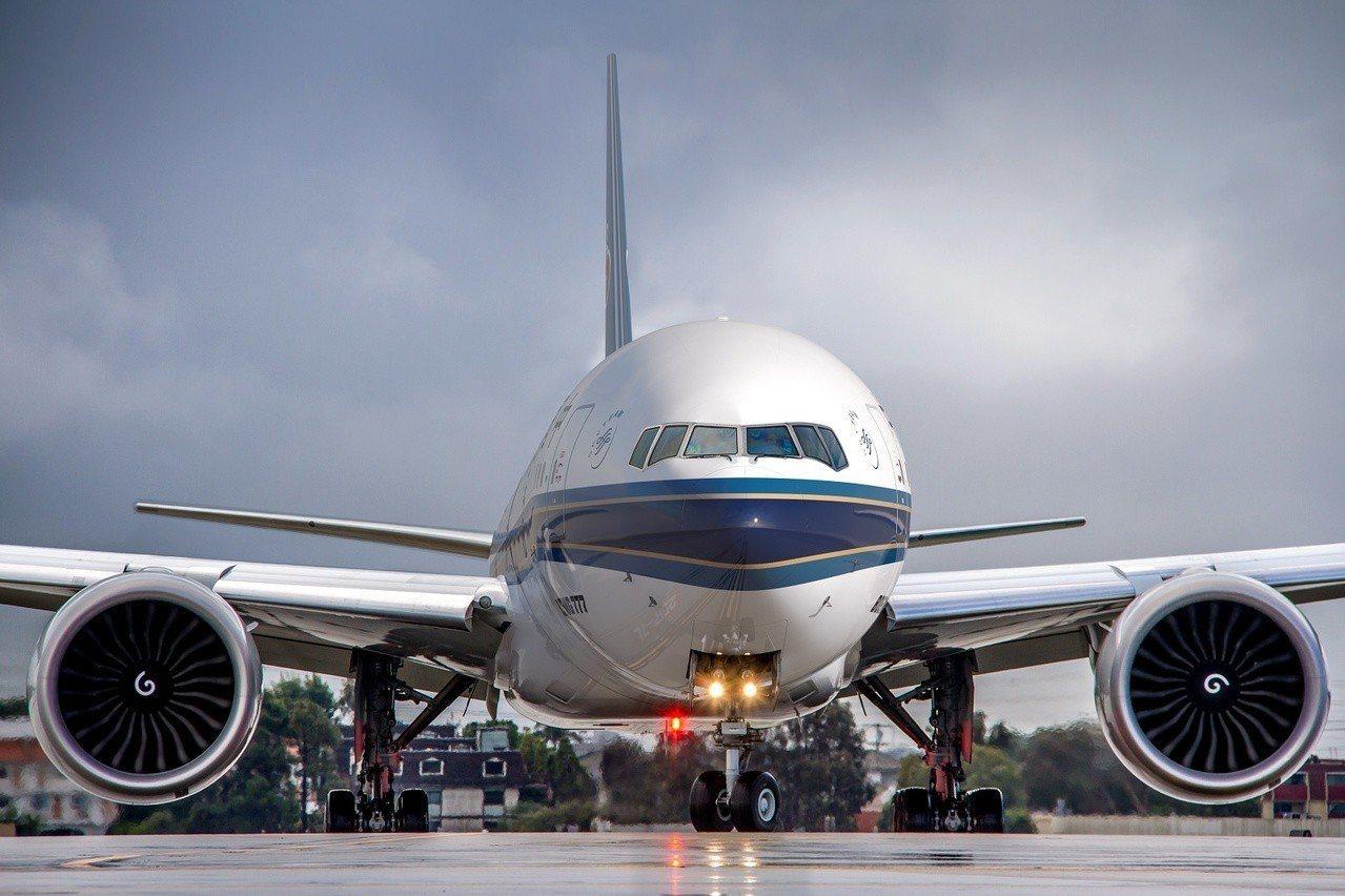 7月1日起,南航將用B777-300ER執飛台北往返廣州航線,全機總座位數達36...