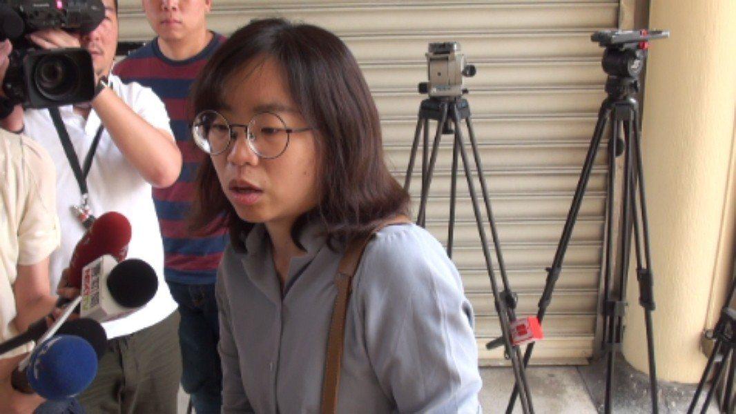 新北市泰山區21日發現一對10歲、7歲的姊弟陳屍在家中多時,姊弟的父親吳姓男子的...