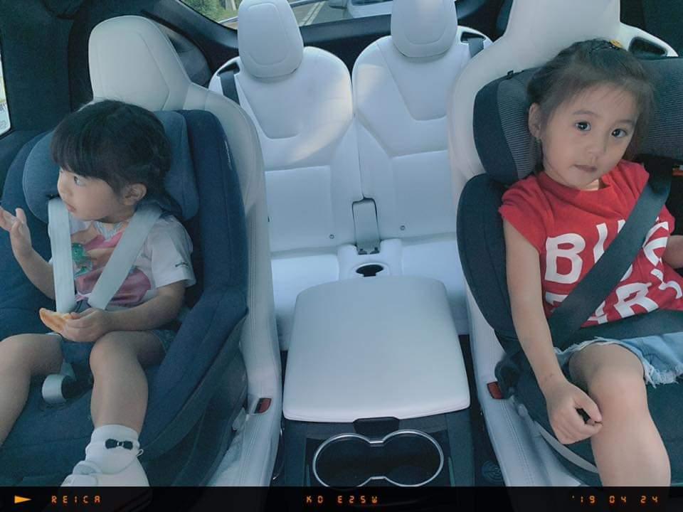 修杰楷載女兒們上學發生小車禍。圖/摘自臉書