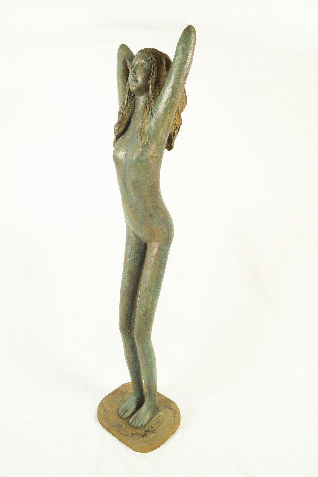 義大利Mirella Gusati的《我愛陽光》-銅雕,39×31×高164cm...