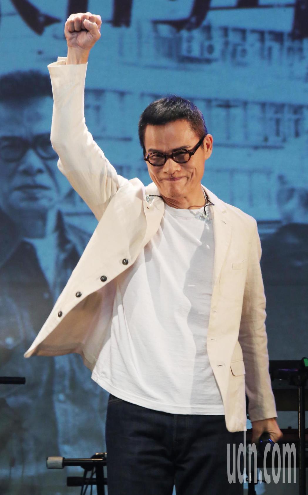 羅大佑(圖)演唱會「週3聚樂部─羅大佑與音樂瘋子的傳奇派對 」下午在華山lega...