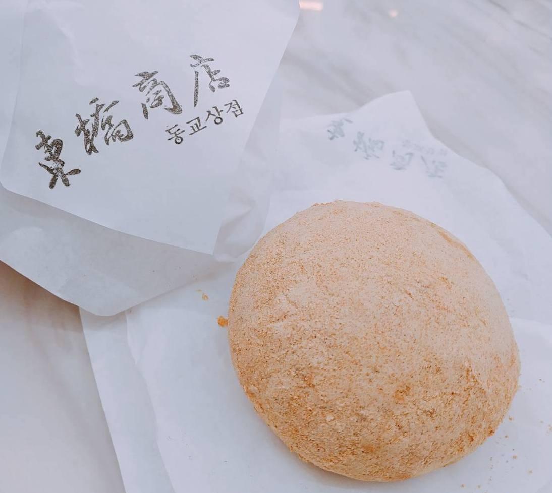 「東橋商店」韓式麵包酥軟好吃。圖/東橋商店提供