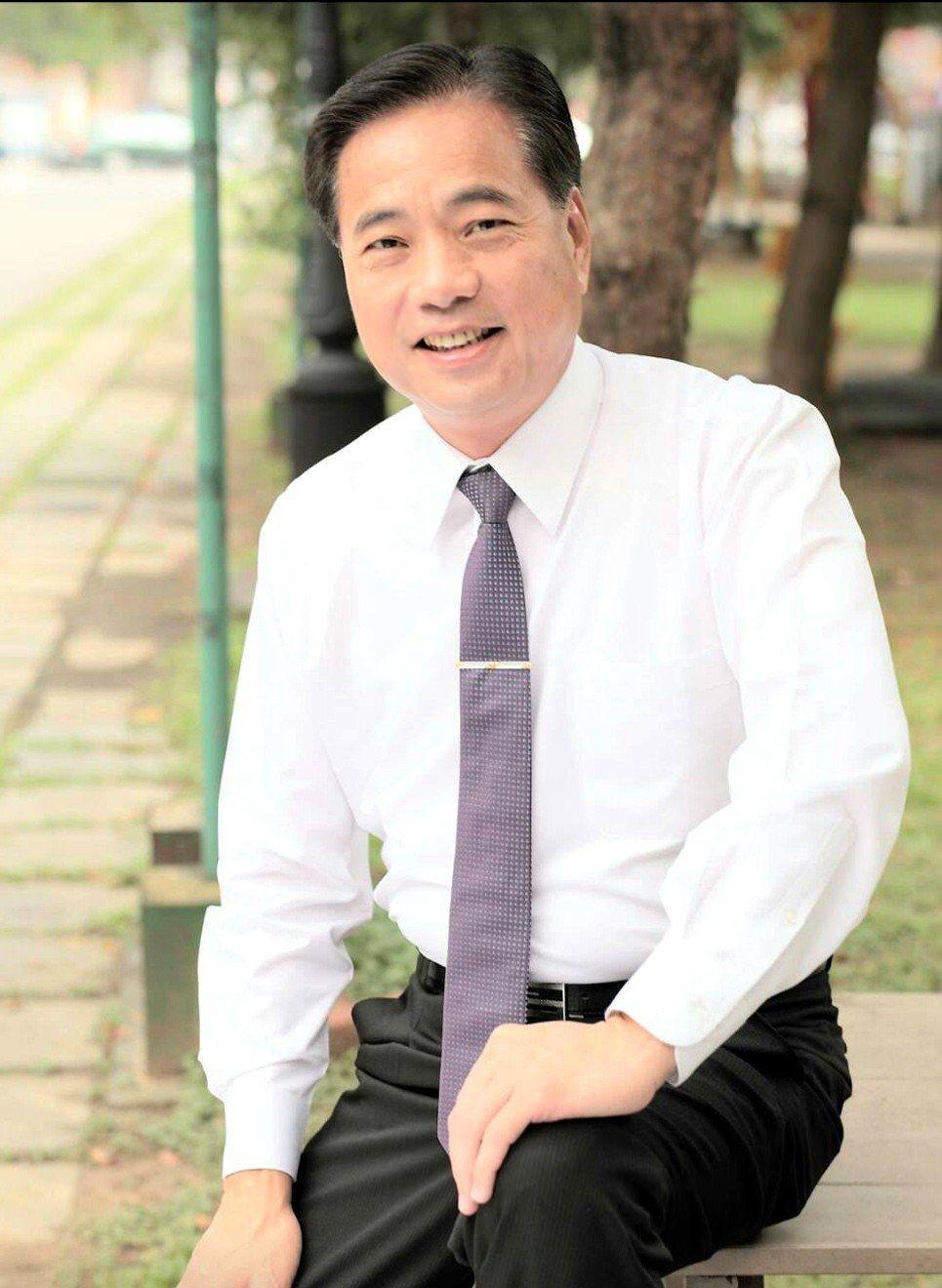 前立委陳根德不滿黨內機制,今天未到黨部登記參選第一選區立委。圖/取自陳根德臉書