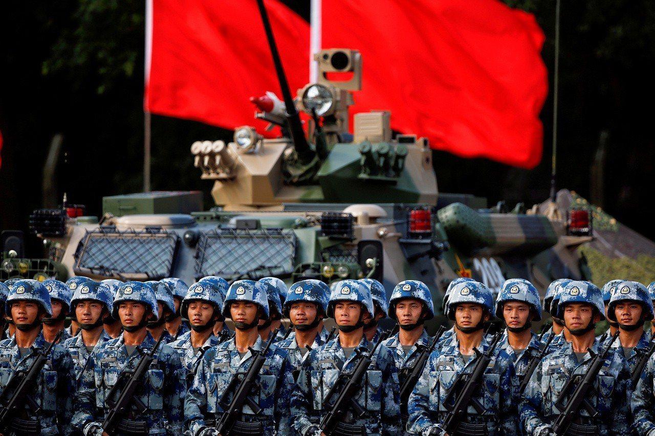 《路透》「中國挑戰」系列特別報導指出,習近平推動中共人民解放軍快速拉近他們與美軍...