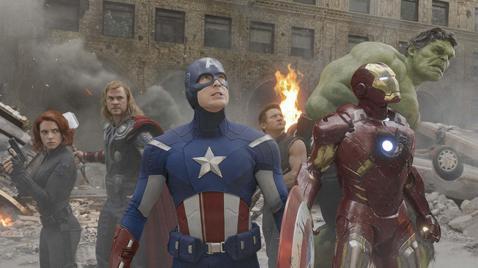 漫威最新巨片「復仇者聯盟:終局之戰」,未上映前已在各國引發訂票網站大當機,正式上映後在各地戲院門口皆見人潮,堪稱令全球觀眾一起瘋狂的話題焦點。雖然在漫威之前,早有票房開紅盤的超級英雄片,卻未必有在世...