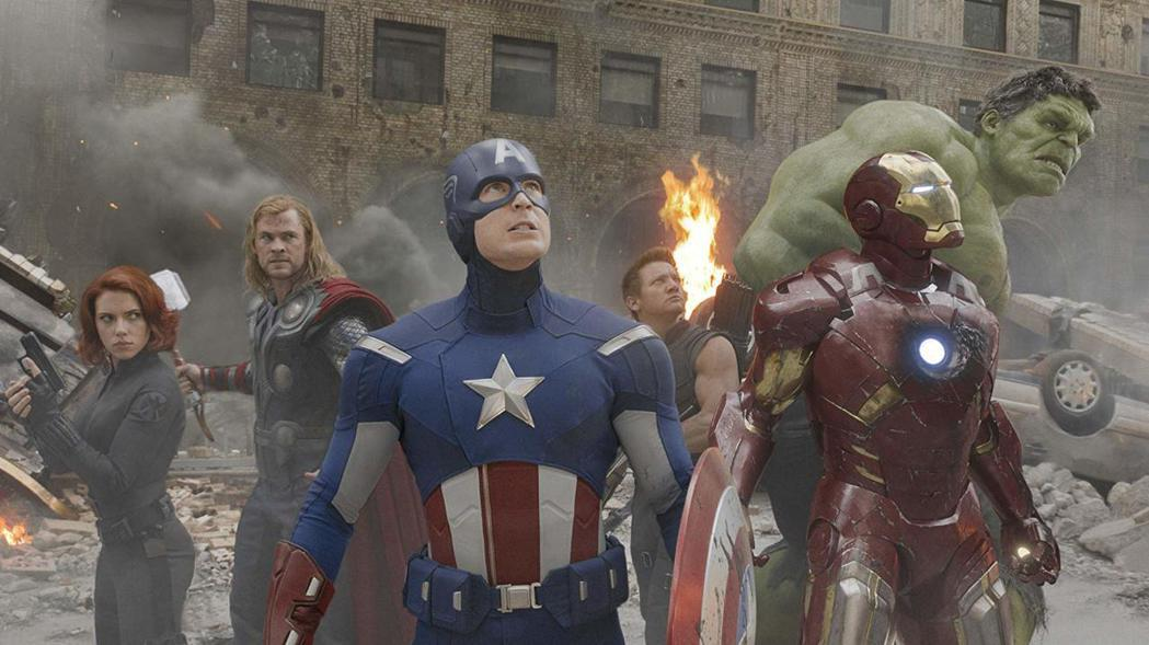 「復仇者聯盟」讓英雄們集結作戰,每個人的人氣都大提升。圖/摘自imdb