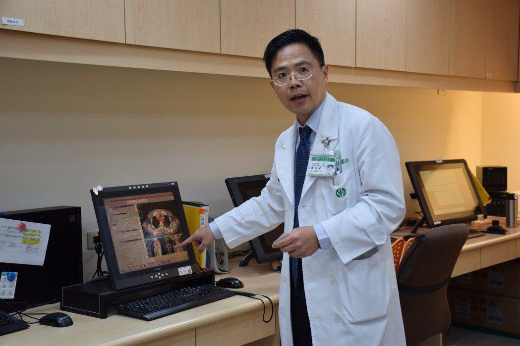 亞東醫院放射腫瘤科醫師謝忱希表示,分段式放射治療優點是速度快、精準度高、可進行細...