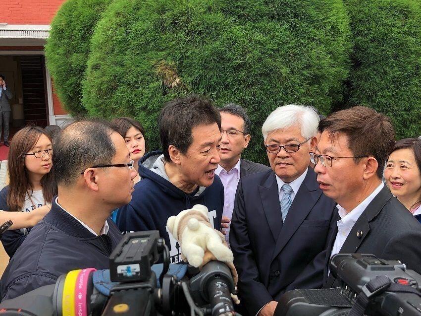 國民黨立委費鴻泰批評李進勇入主中選會,2020難有公正選舉。圖/費鴻泰提供