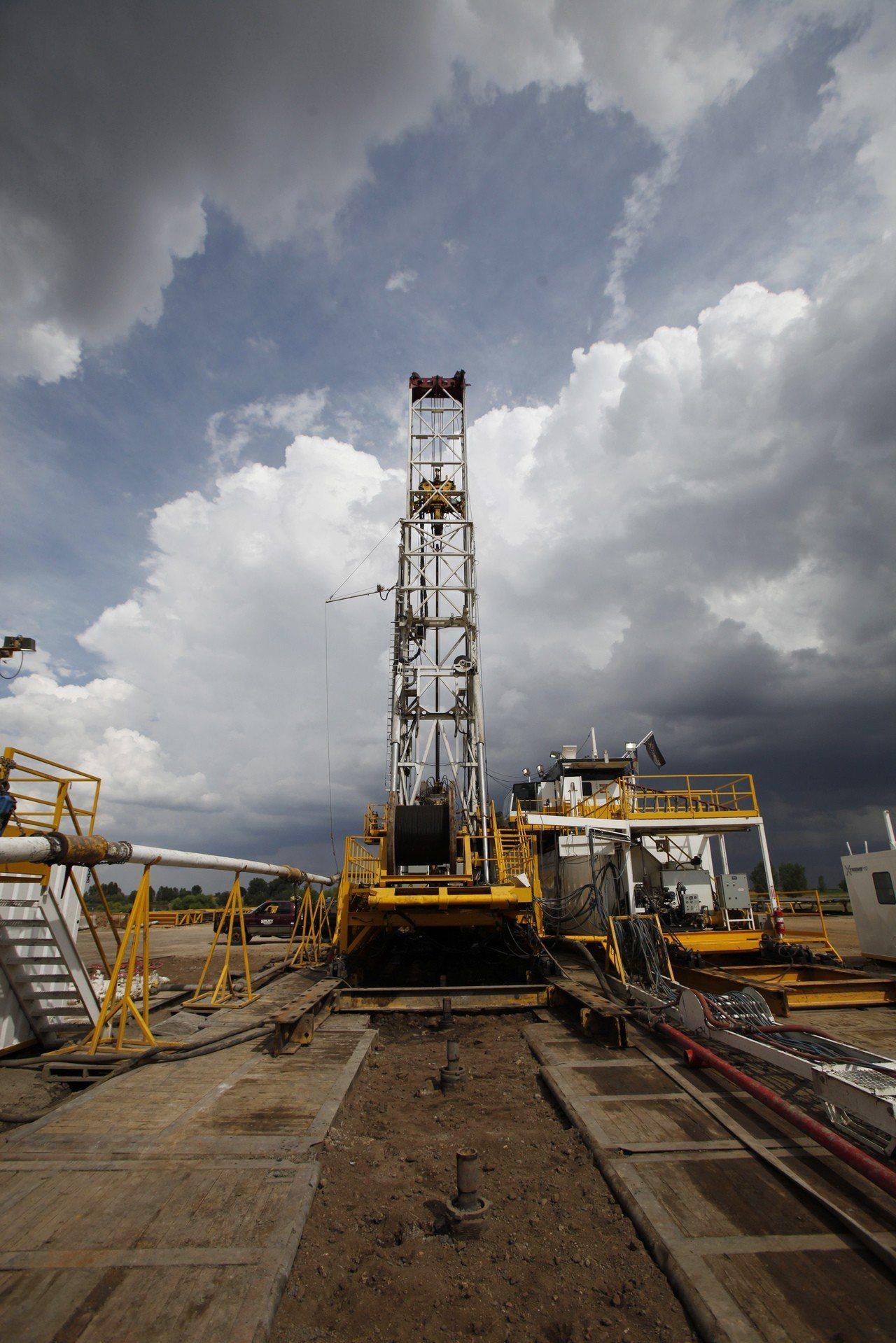 為展現決心,西方石油公司(Occidental)主動提議要加碼至550億美元併購...