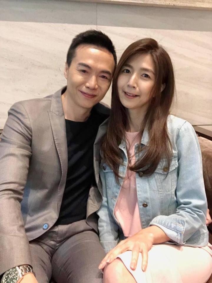 吳鈴山的老婆(右)也客串演出「炮仔聲」 圖/摘自臉書