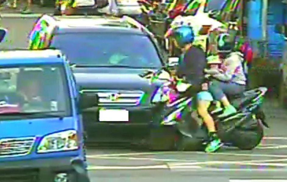 騎機車三貼容易造成交通意外。示意圖,與新聞無關。 圖/警方提供