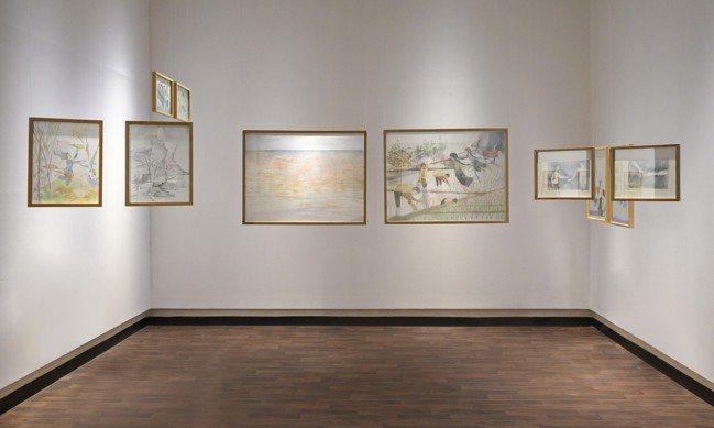 越南藝術家 Phan Thao Nguyen 以生絲,繪製美麗的雙面畫作,描繪越...