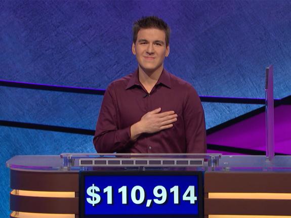 賀饒爾參加「Jeopardy」益智節目,獲得獎金已逾100萬元。圖為他在其中一集...