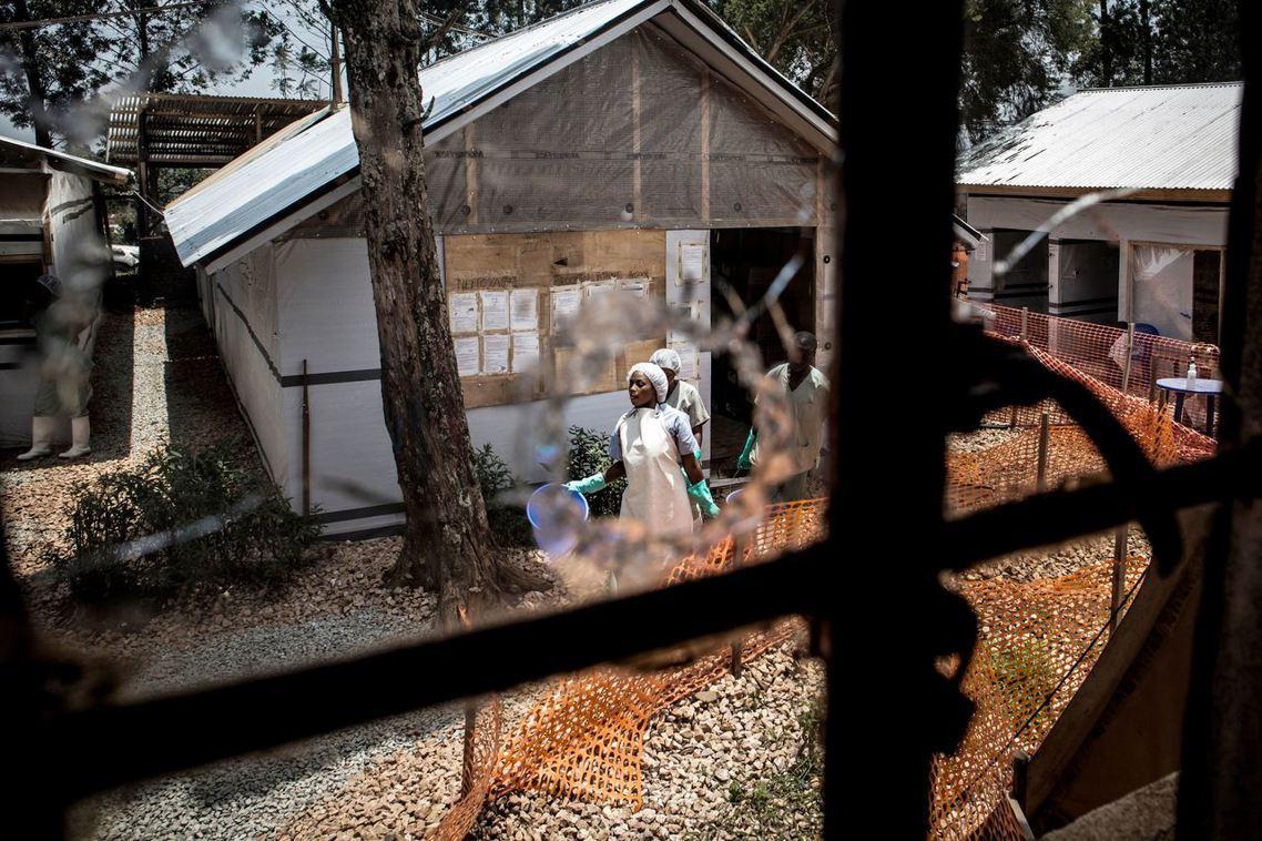 「伊波拉是真的,對人類的威脅是真的...醫療人員沒有說謊,我們沒有害人!」 圖/...