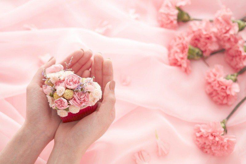 艾麗酒店推出「呵護.馨愛」母親節幸福饗宴,送匈牙利皇室溫泉美肌品牌Omorovi...