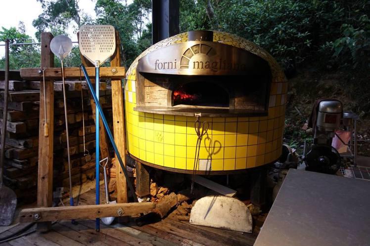 義大利原裝進口窯爐:Magliano是多次獲得拿坡里披薩所舉辦的世界披薩大賽窯爐...