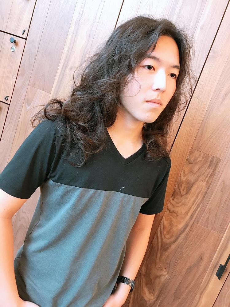 髮型創作/斐瑟高雄旗艦店 VISAVIS HAIR DESIGN / 斐瑟-孟夢...