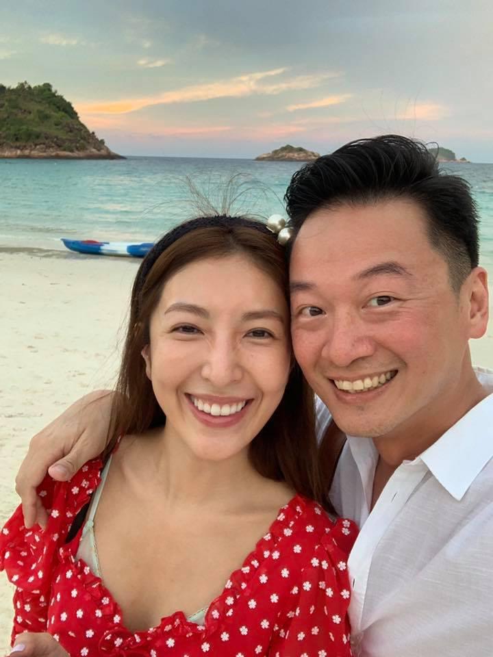 楊謹華(左)與老公Ben超甜度蜜月。圖/摘自臉書