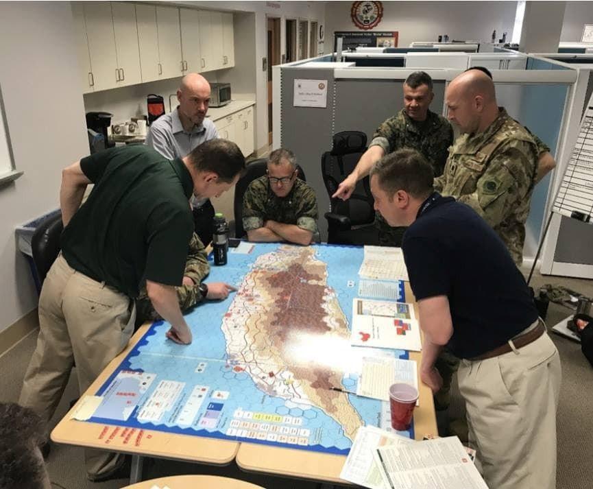 外交政策網「岩石上的戰爭(War on the Rocks)」昨日報導美國海軍陸...