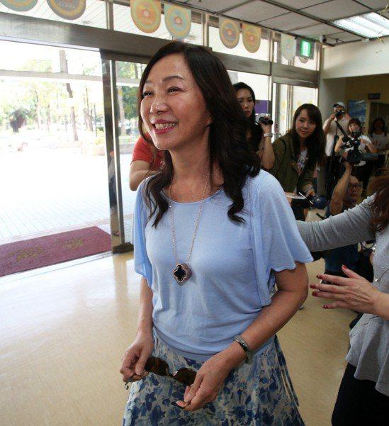 高雄市長韓國瑜夫人李佳芬的空氣過濾器被誤認為祖母綠。記者劉學聖/攝影