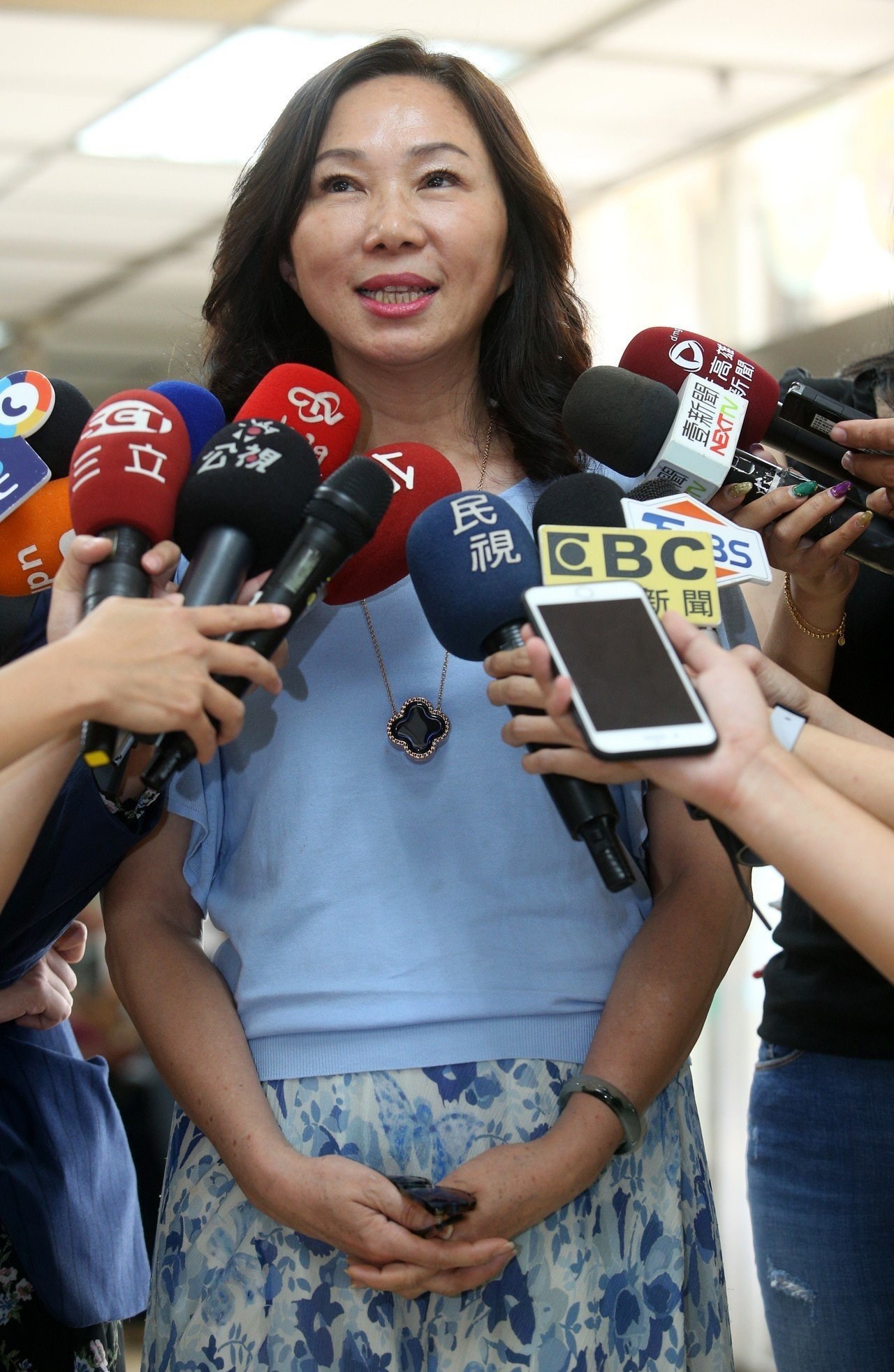 面對版稅爭議,高雄市長韓國瑜夫人李佳芬親上火線說明。記者劉學聖/攝影