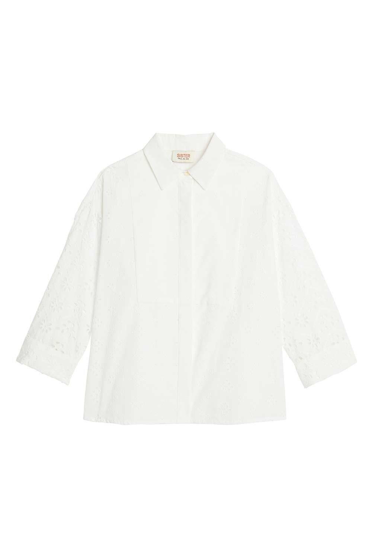 鏤空蕾絲雕花襯衫,9,800元。圖/Paul & Joe Sister提供