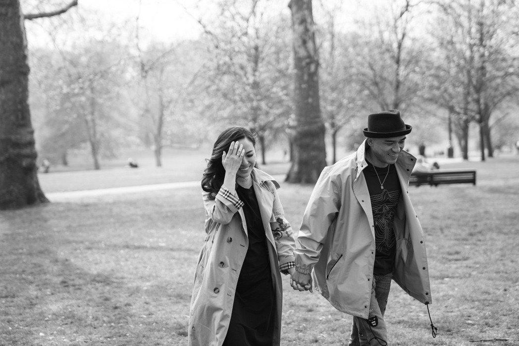 小馬和老婆到英國度假兼工作。圖/馬米娛樂提供