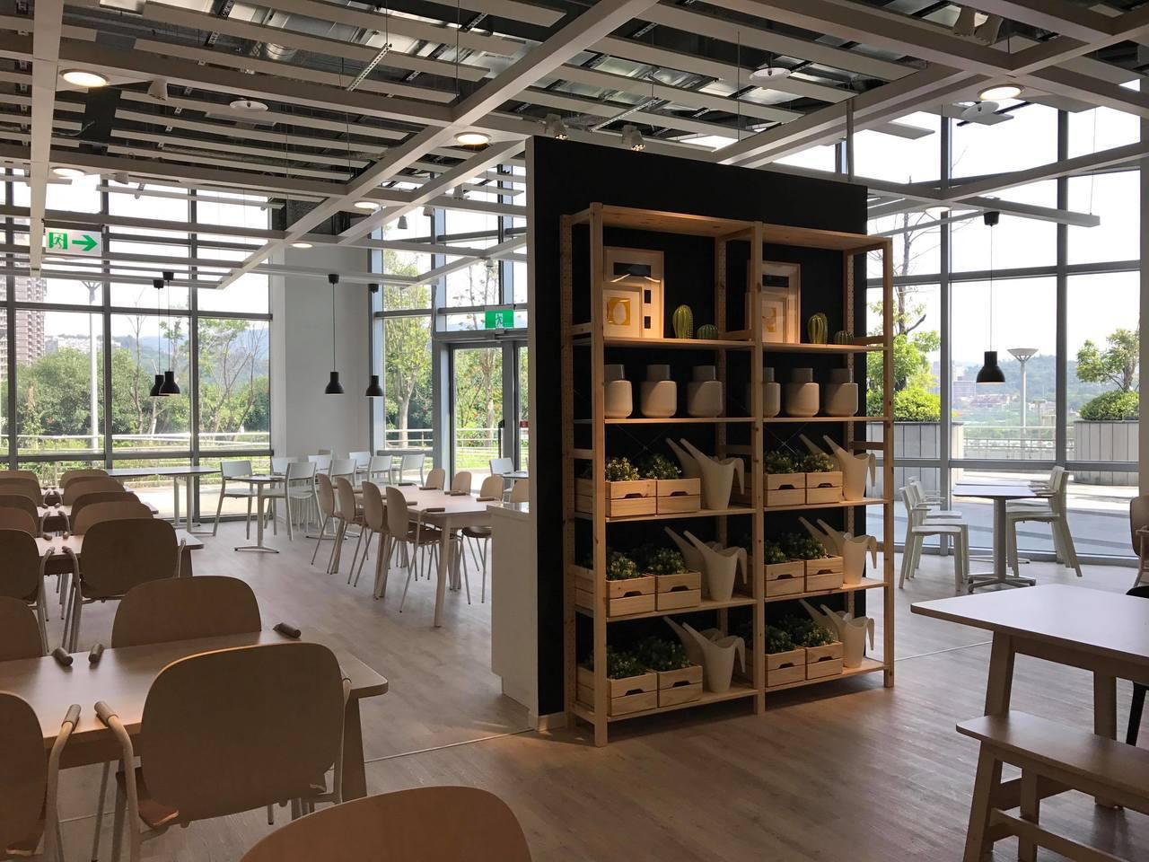 IKEA新店店是唯一擁有河濱公園景觀的IKEA瑞典餐廳。記者陳立儀/攝影